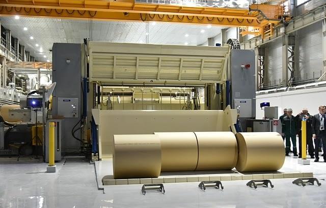 На фотографии нарезанные рулоны бумаги на Сегежском ЦБК